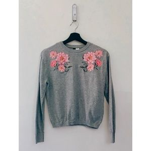 H&M | Gray Floral Embroidered Sweater